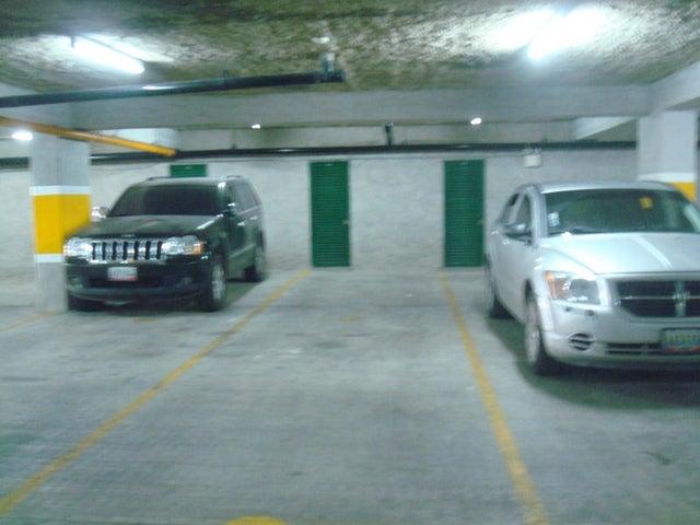 Apartamento Distrito Metropolitano>Caracas>Prados del Este - Venta:28.198.000.000 Bolivares Fuertes - codigo: 15-2873