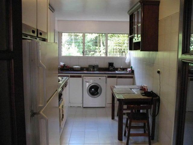 Apartamento Distrito Metropolitano>Caracas>Macaracuay - Venta:134.089.000.000  - codigo: 15-1567