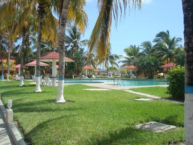 Townhouse Miranda>Higuerote>Puerto Encantado - Venta:256.539.000.000 Precio Referencial - codigo: 15-2930