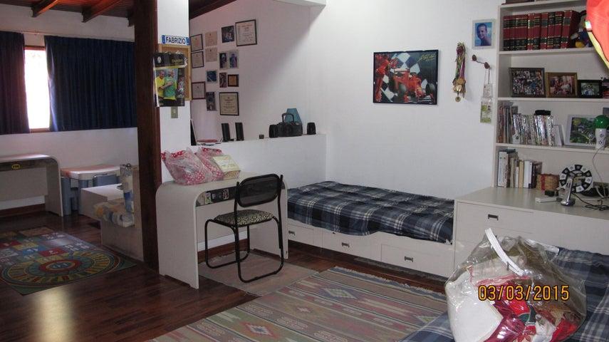 Casa Distrito Metropolitano>Caracas>Santa Paula - Venta:268.179.000.000 Precio Referencial - codigo: 15-2975