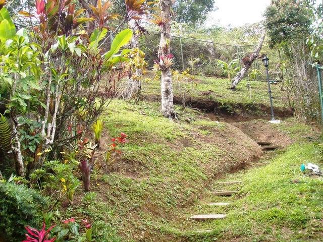 Casa Distrito Metropolitano>Caracas>La Boyera - Venta:205.231.000.000 Precio Referencial - codigo: 15-3094