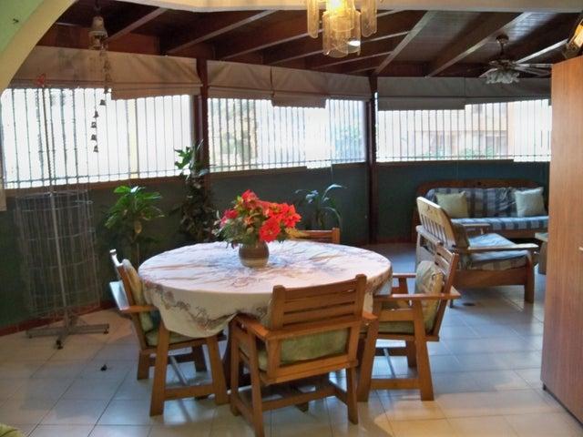 Apartamento Distrito Metropolitano>Caracas>Macaracuay - Venta:79.211.000.000 Bolivares Fuertes - codigo: 15-3339