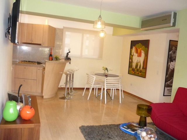 Apartamento Distrito Metropolitano>Caracas>El Rosal - Venta:137.890.000.000 Precio Referencial - codigo: 15-3262
