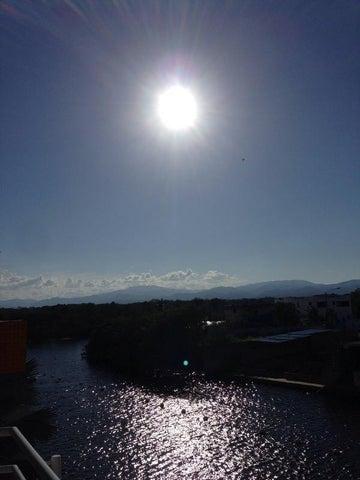 Apartamento Miranda>Higuerote>Puerto Encantado - Venta:130.455.000.000 Precio Referencial - codigo: 15-3357