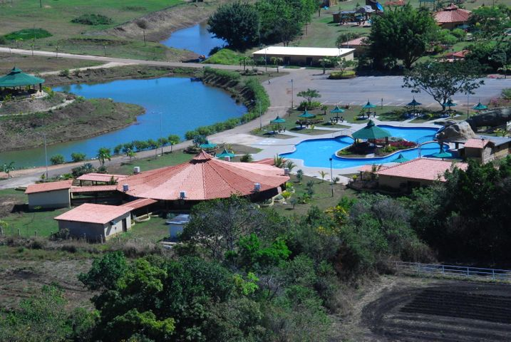 Negocios y Empresas Cojedes>Tinaquillo>Tinaquillo - Venta:0 Bolivares - codigo: 15-3360