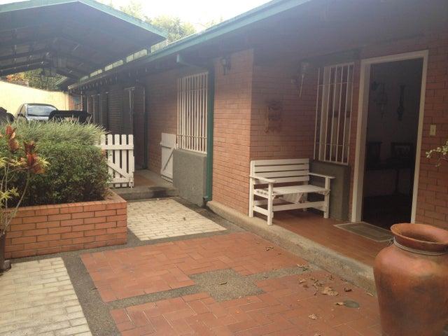 Casa Distrito Metropolitano>Caracas>Oripoto - Venta:80.967.000.000 Bolivares - codigo: 15-3484