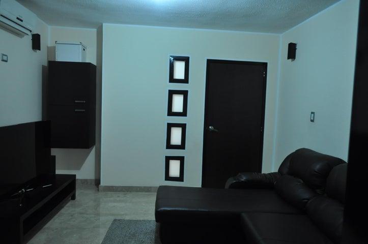 Apartamento Distrito Metropolitano>Caracas>Los Chaguaramos - Venta:90.527.000.000 Bolivares Fuertes - codigo: 15-3415