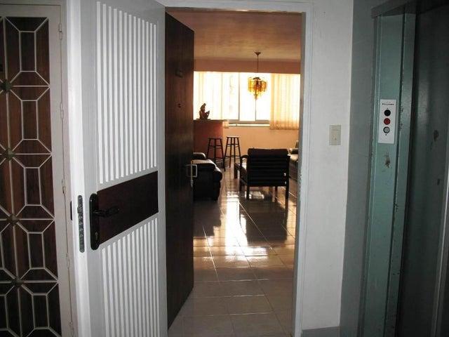 Apartamento Distrito Metropolitano>Caracas>La Urbina - Venta:45.693.000.000  - codigo: 15-3437