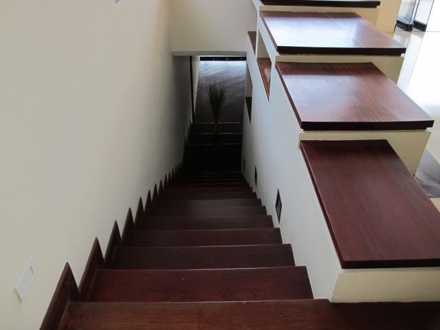 Casa Distrito Metropolitano>Caracas>Colinas del Tamanaco - Venta:276.872.000.000 Bolivares - codigo: 15-3530