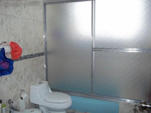 Apartamento Distrito Metropolitano>Caracas>El Marques - Venta:93.892.000.000 Precio Referencial - codigo: 15-3533