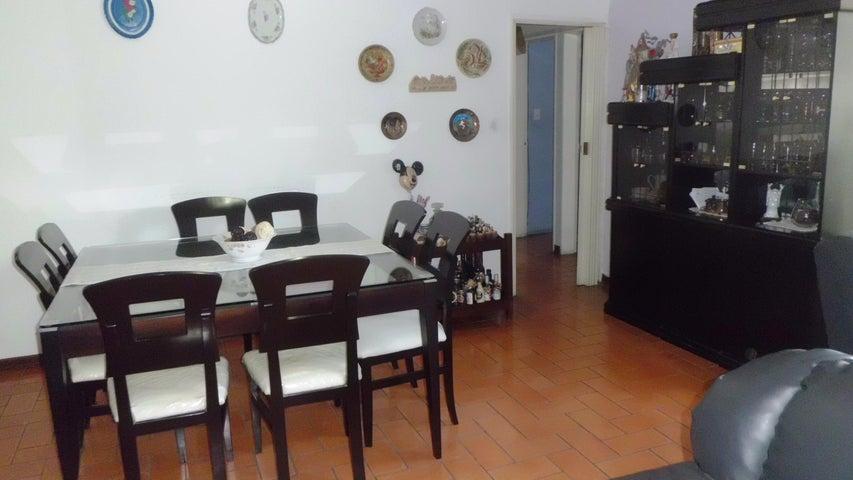 Apartamento Distrito Metropolitano>Caracas>Santa Paula - Venta:32.307.000.000 Bolivares Fuertes - codigo: 15-3567
