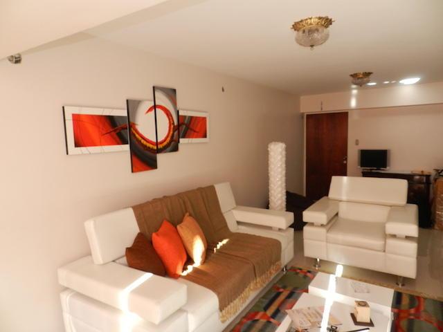 Apartamento Distrito Metropolitano>Caracas>Los Naranjos del Cafetal - Venta:32.900.000.000 Bolivares Fuertes - codigo: 15-3595