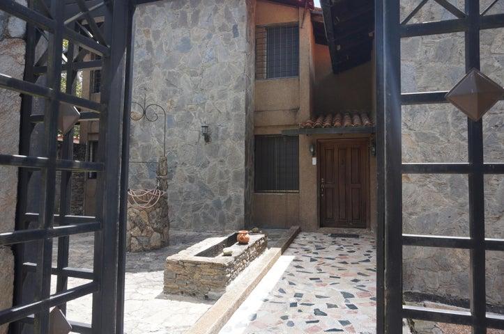 Casa Distrito Metropolitano>Caracas>Los Guayabitos - Venta:385.057.000.000 Precio Referencial - codigo: 15-4935