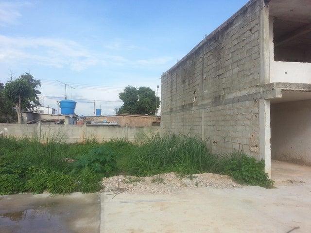 Terreno Zulia>Ciudad Ojeda>Calle Piar - Venta:5.497.000.000 Precio Referencial - codigo: 15-3689
