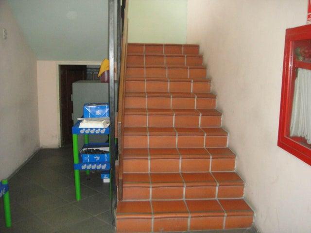 Local Comercial Portuguesa>Acarigua>Centro - Venta:101.843.000.000 Bolivares - codigo: 15-3710