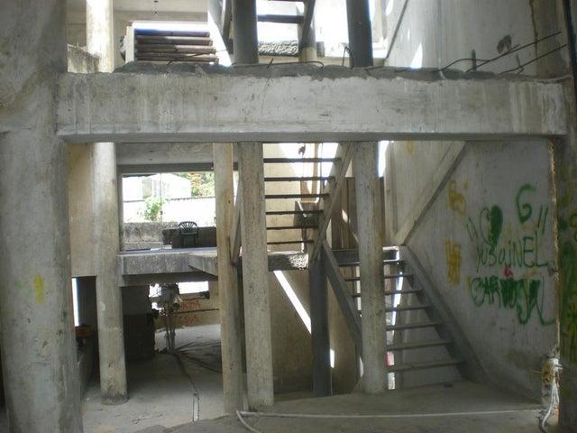 Casa Distrito Metropolitano>Caracas>La Castellana - Venta:345.343.000.000 Bolivares - codigo: 15-3702