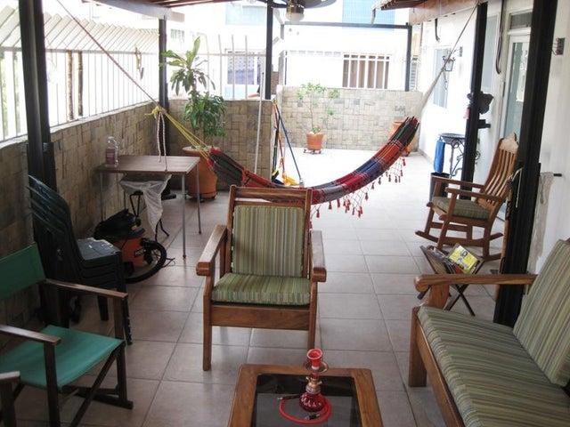 Apartamento Distrito Metropolitano>Caracas>La Florida - Venta:79.394.000.000 Precio Referencial - codigo: 15-3759