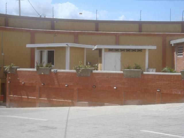 Galpon - Deposito Lara>Barquisimeto>Parroquia Juan de Villegas - Venta:97.526.000.000 Bolivares - codigo: 15-3763