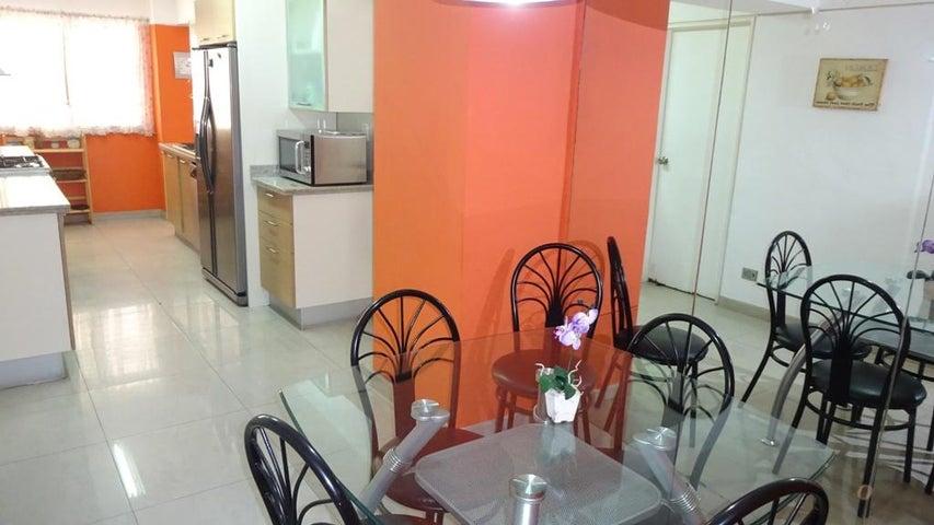 Apartamento Distrito Metropolitano>Caracas>La Florida - Venta:832.562.000.000 Precio Referencial - codigo: 15-3787