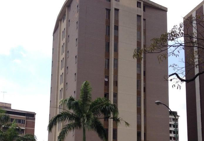 Edificio Distrito Metropolitano>Caracas>El Marques - Venta:2.707.032.000.000 Bolivares - codigo: 15-3801