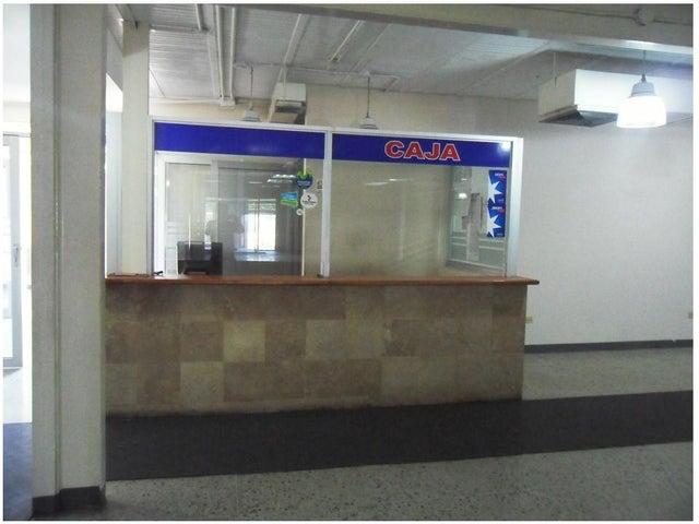 Local Comercial Zulia>Maracaibo>Las Lomas - Venta:100.770.000.000 Precio Referencial - codigo: 15-3899