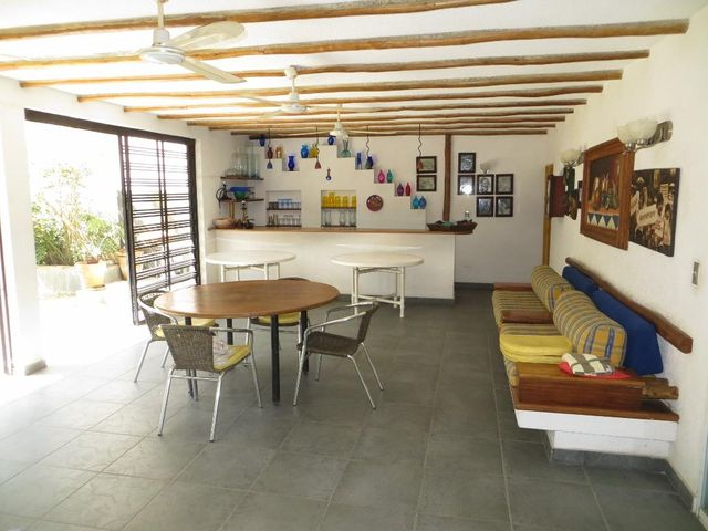 Casa Distrito Metropolitano>Caracas>El Cafetal - Venta:173.320.000.000 Precio Referencial - codigo: 15-3983