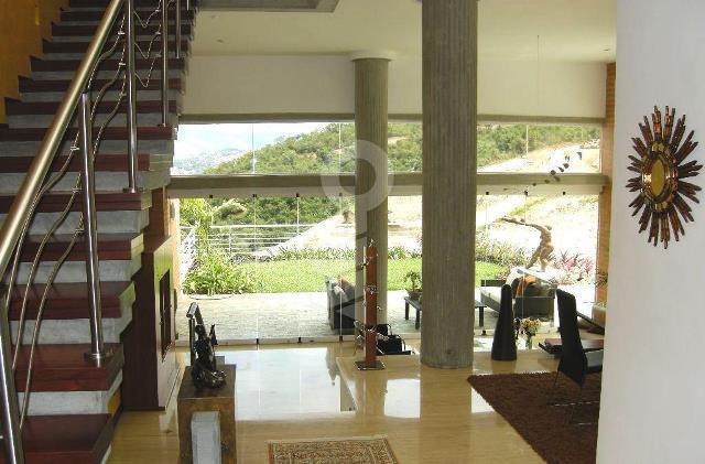 Townhouse Distrito Metropolitano>Caracas>Alto Hatillo - Venta:549.653.000.000 Precio Referencial - codigo: 15-4025