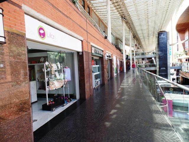 Local Comercial Distrito Metropolitano>Caracas>La Castellana - Venta:100.841.000.000 Precio Referencial - codigo: 15-4165