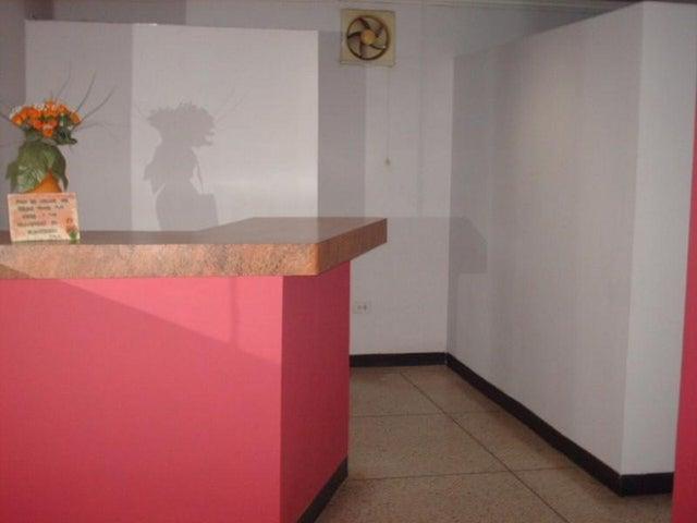 Local Comercial Falcon>Punto Fijo>Centro - Venta:83.738.000.000 Bolivares - codigo: 15-4135
