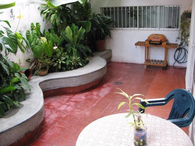 Casa Distrito Metropolitano>Caracas>Alto Prado - Venta:7.350.000.000 Bolivares - codigo: 15-4185
