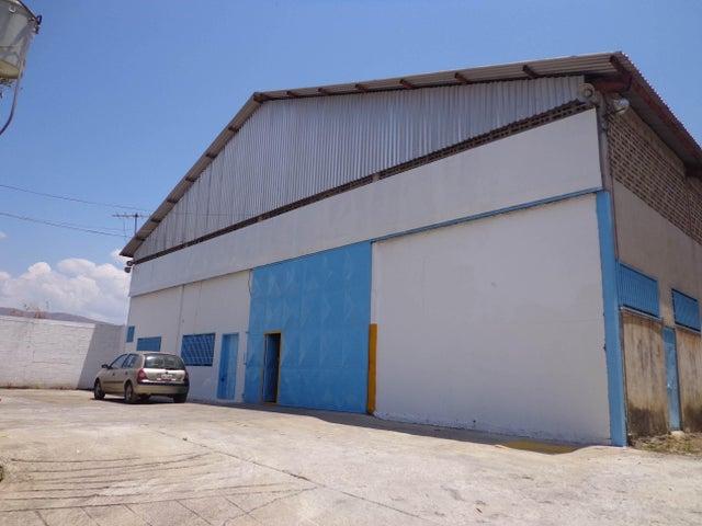 Negocios y Empresas Aragua>La Victoria>Zona Industrial La Chapa - Venta:0 Bolivares - codigo: 15-4198