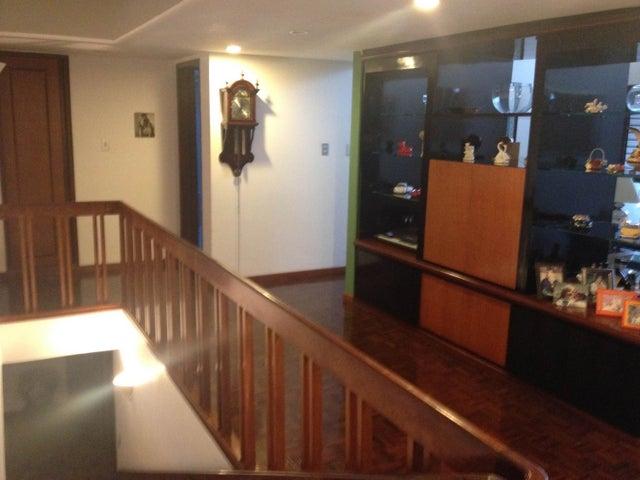 Casa Distrito Metropolitano>Caracas>Colinas de La California - Venta:335.899.000.000 Precio Referencial - codigo: 15-4723