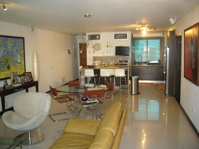 Apartamento Nueva Esparta>Margarita>Playa el Angel - Venta:120.000 US Dollar - codigo: 15-4346