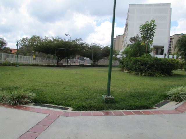 Apartamento Distrito Metropolitano>Caracas>Los Samanes - Venta:307.501.000.000 Precio Referencial - codigo: 15-4359