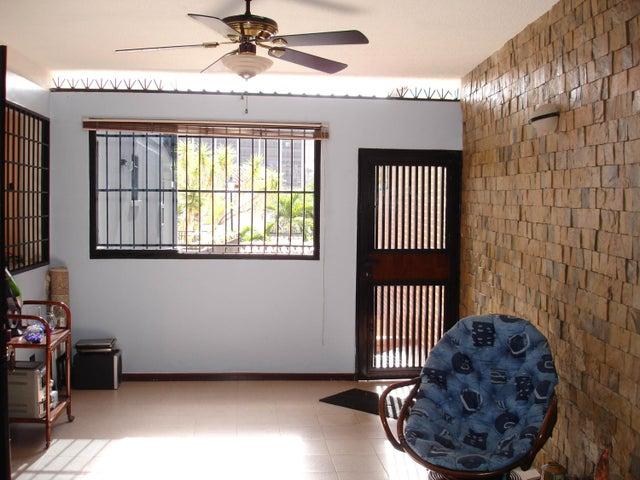 Casa Distrito Metropolitano>Caracas>Macaracuay - Venta:179.622.000.000 Precio Referencial - codigo: 15-853