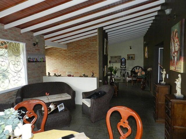 Casa Distrito Metropolitano>Caracas>Lomas del Halcon - Venta:75.235.000.000 Precio Referencial - codigo: 15-4431