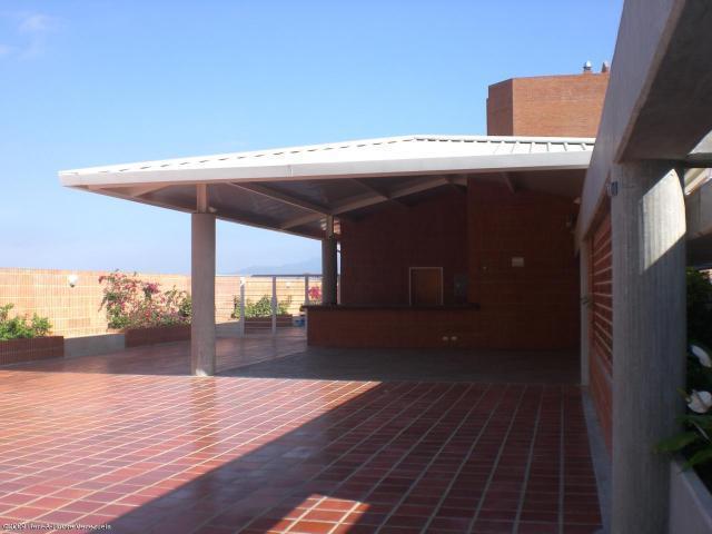 Apartamento Distrito Metropolitano>Caracas>Solar del Hatillo - Venta:92.091.000.000 Bolivares Fuertes - codigo: 15-4435