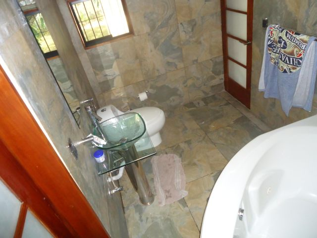 Casa Distrito Metropolitano>Caracas>El Cafetal - Venta:152.681.000.000 Precio Referencial - codigo: 15-4484