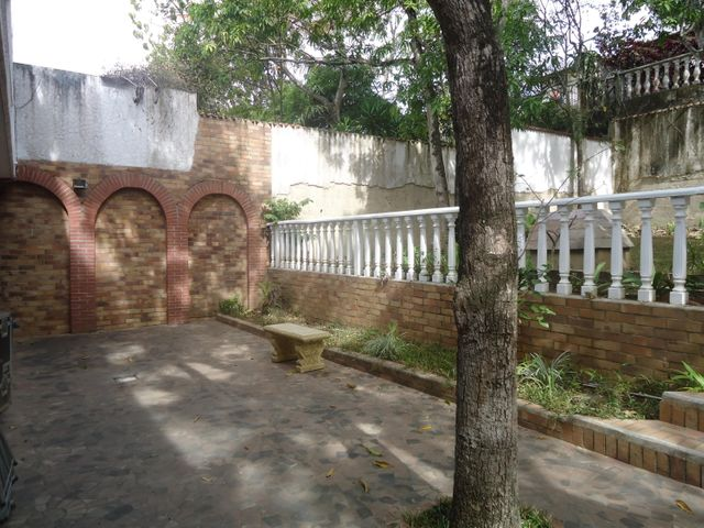Casa Distrito Metropolitano>Caracas>El Cafetal - Alquiler:369.000.000 Bolivares - codigo: 15-4486
