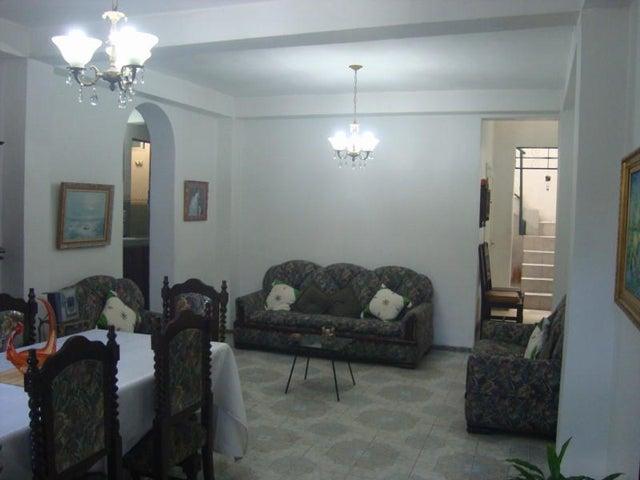 Casa Distrito Metropolitano>Caracas>Mariperez - Venta:25.850.000.000 Bolivares - codigo: 15-4531