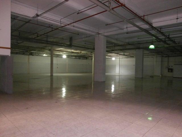 Local Comercial Portuguesa>Acarigua>Centro - Alquiler:1.454.000.000 Precio Referencial - codigo: 15-4675
