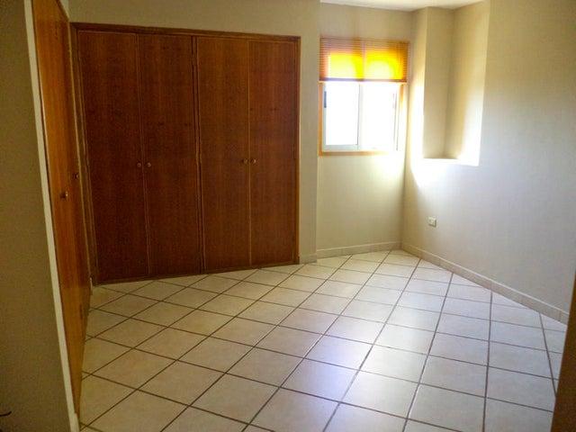 Apartamento Zulia>Maracaibo>Don Bosco - Venta:17.350.000.000 Bolivares Fuertes - codigo: 15-4682