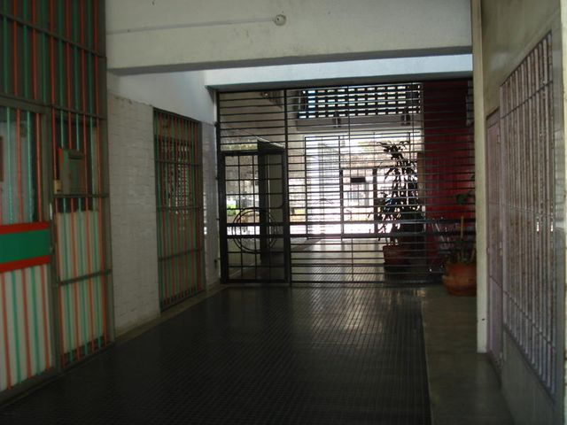 Apartamento Distrito Metropolitano>Caracas>La California Norte - Venta:45.000 Precio Referencial - codigo: 15-714