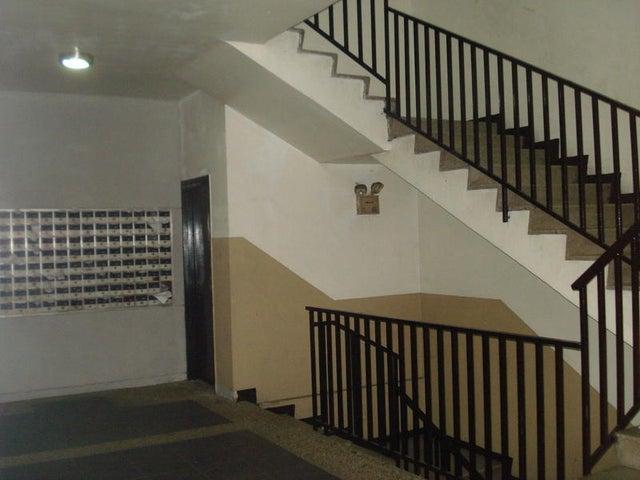 Apartamento Distrito Metropolitano>Caracas>La California Norte - Venta:45.000 US Dollar - codigo: 15-714