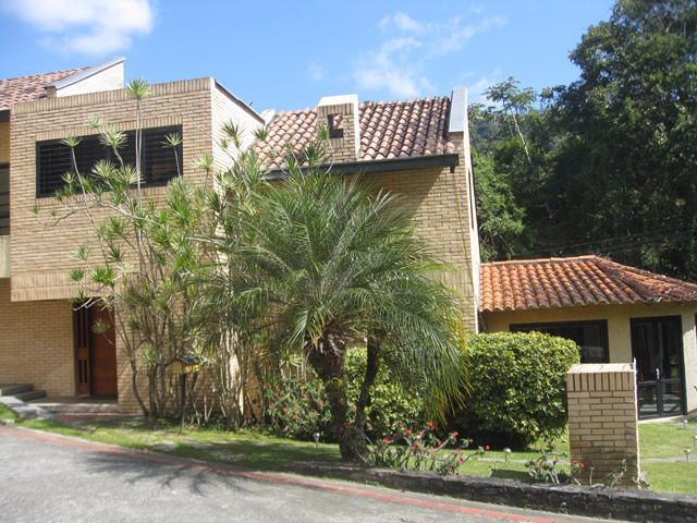 Casa Distrito Metropolitano>Caracas>Monte Claro - Venta:83.467.000.000 Bolivares - codigo: 14-8747