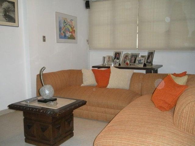 Casa Distrito Metropolitano>Caracas>El Marques - Venta:32.307.000.000 Bolivares - codigo: 15-4876