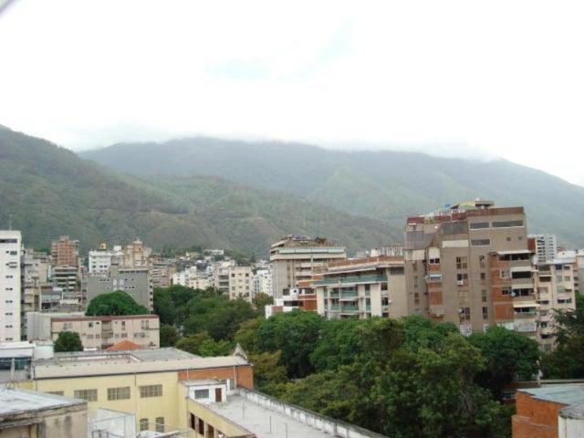 Apartamento Distrito Metropolitano>Caracas>Los Caobos - Venta:48.364.000.000 Precio Referencial - codigo: 15-4971