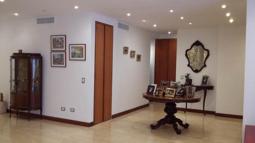 Apartamento Distrito Metropolitano>Caracas>La Tahona - Venta:174.545.000.000 Bolivares Fuertes - codigo: 15-4982
