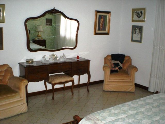 Casa Distrito Metropolitano>Caracas>Los Naranjos del Cafetal - Venta:53.067.000.000 Bolivares - codigo: 15-5035