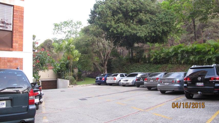 Apartamento Distrito Metropolitano>Caracas>Santa Marta - Venta:53.527.000.000 Bolivares Fuertes - codigo: 15-5099